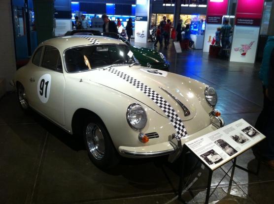 Ein Porsche 365 mit luftgekühltem Vierzylindermotor