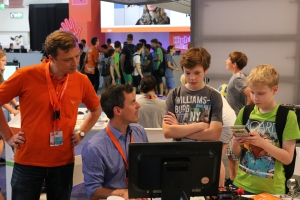 IdeenExpo 2015: Viele interessierte Schüler, kaum Lehrer