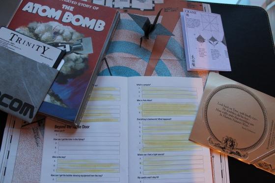 """Das Infocom-Adventure """"Trinity"""" mit Origami-Anleitung, Karte und dem InvisiClue-Lösungsbuch"""