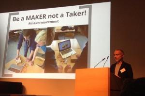 André Spang erklärte in seiner Keynote die Facetten digitaler Bildung in der Schule